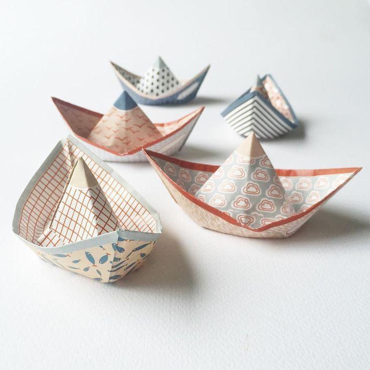 "Gefällt 232 Mal, 17 Kommentare - Jurianne Matter (@juriannematter) auf Instagram: ""My new Sweet Fleet, almost ready to set sail! #paperboats #paperdesign #patterndesign #foldingboats…"""