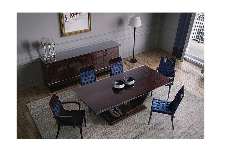 Stella mobilya imzasını taşıyan birbirinden güzel mobilya modelleri arasında estetik tarzı ve kullanışlı yapısı ile Alice yemek odası evlerinizi sil baştan yazmaya devam ediyor. Stella Mobilya Alice Yemek Odası wenge ve lacivert renklerinde masif işçiliğinin ön plana çıktığı yemek masası , sandalye ve konsol bütününden oluşan şıklığı ile göz doldururken tarzıyla evinizin havasını değiştirecek gösterişli bir model. Alice konsol 4 kapaklı ve ahşap ayaklı olarak tasarlanmış , kapaklarda mebran…