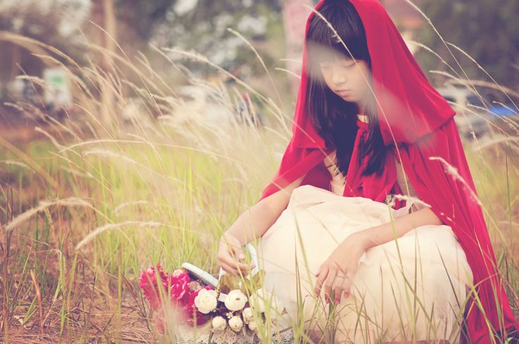 Red riding hood photoshoot ideas