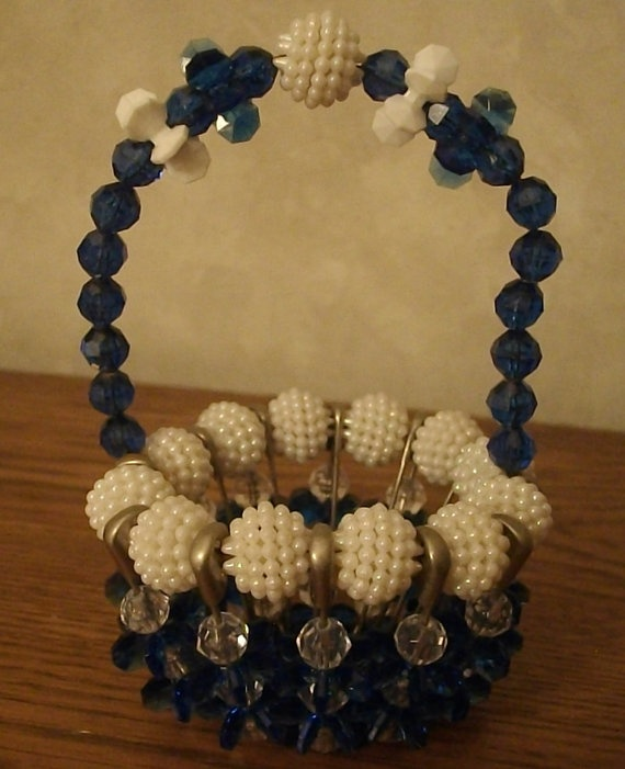Vintage beaded basket safety pins blue white snowball for Safety pin and bead crafts