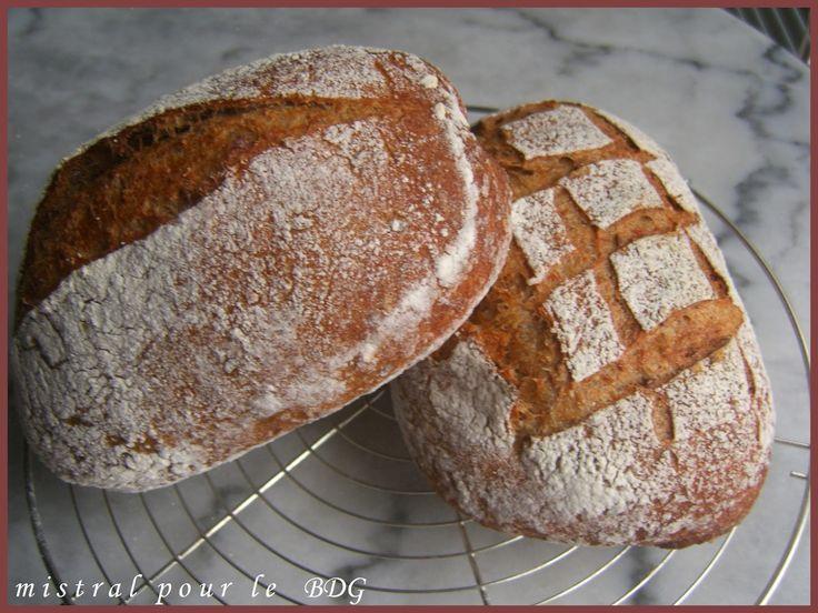 BGM. PERDERE PESO CON IL METODO DEL basso indice glicemico: farina di pane più grande piena di farro, kamut e lievito naturale pot orzo
