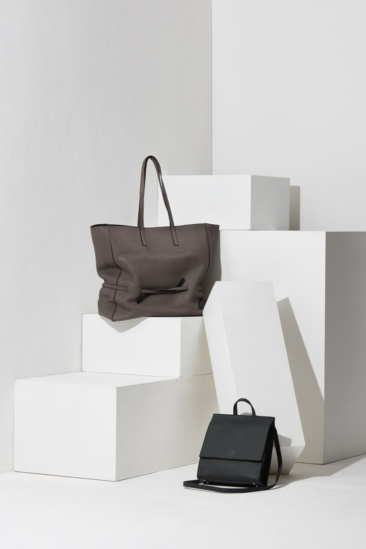 16FW LUCCICA_NO 54 grey and taupe & piano black #bag #shopperbag #leather #LLG #largeleathergoods #leatherbag #16FW