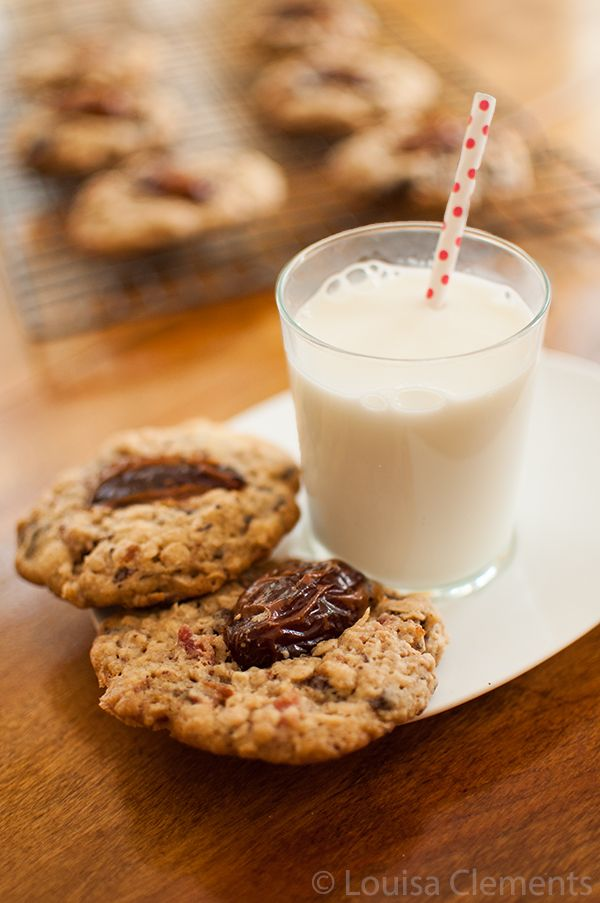 medjool date, bacon and chocolate chip cookies