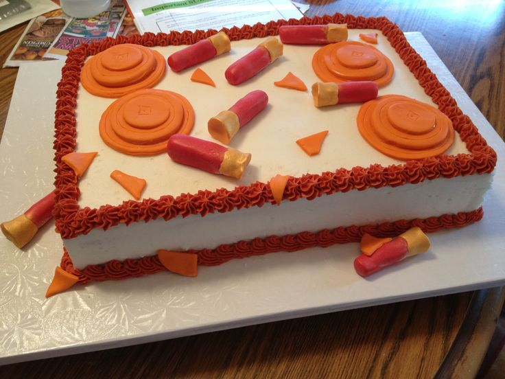 Skeet shooting cake....will need one of these in April:-)