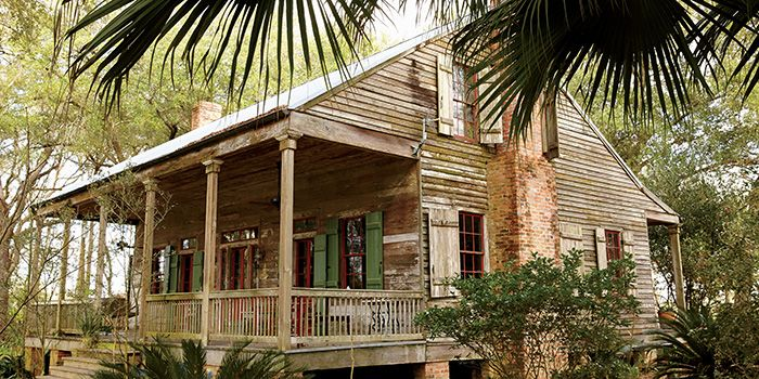 The Ultimate Bayou Cabin (Photo Credit: Brie Williams) #southernhomes.