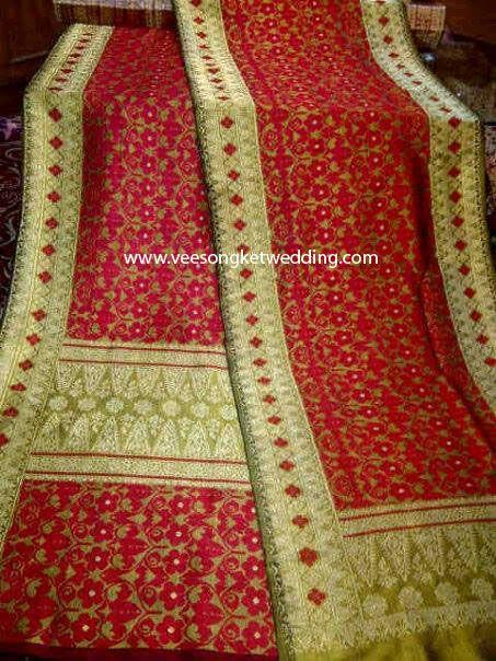 For Rent : Songket Palembang motif Pucuk Pisang Serumpun Merah For Paket Pengantin : Tlp/SMS/WA : 081294422133