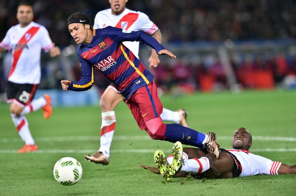 Neymar of FC Barcelona in action during the final match between River Plate and FC Barcelona at International Stadium Yokohama on December 20, 2015 in Yokohama, Japan.