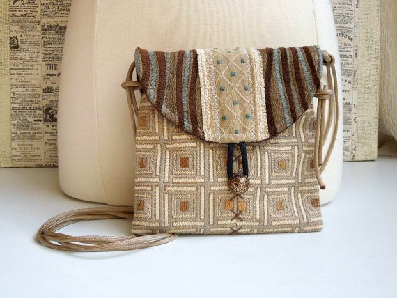 Questo MINI CROSSBODY BAG è perfetta per portare in giro il minimo necessario ~ ~ tutto ciò che serve è il tuo telefono, piccolo portafoglio,