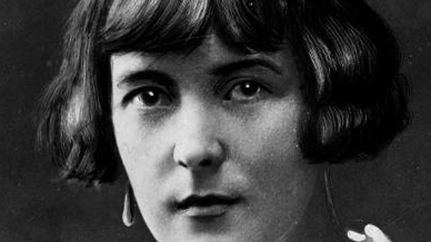 "katherine mansfield 4 essay The theoretical framework for this essay will largely be based on the work of   place in katherine mansfield's short stories ""prelude"" (1918) and ""bliss"" (1918."