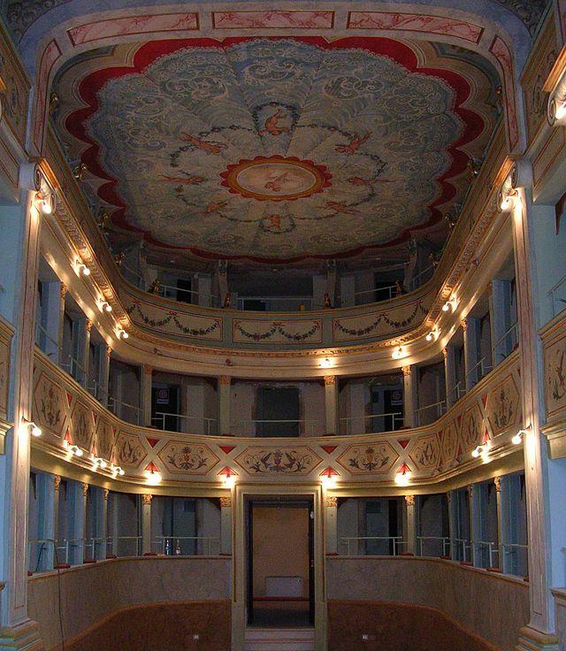 Teatro Apollo-Mondavio-Vista dei palchi - Mondavio - Wikipedia