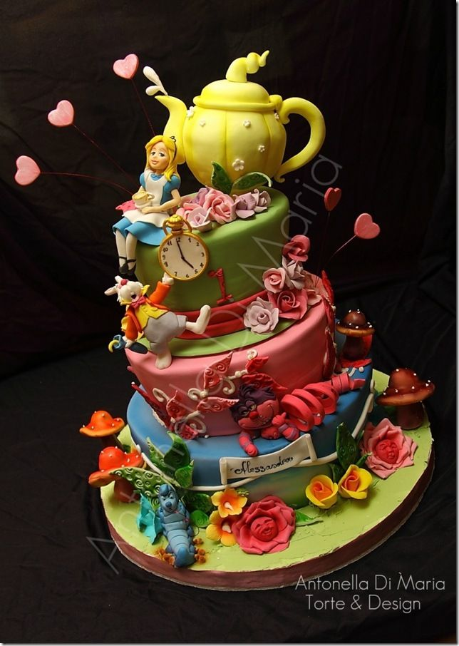 Amazing Alice in Wonderland CakeBirthday, Parties, Food, Alice Cake, Amazing Cake, Alice In Wonderland Cake, Amazing Alice, Awesome Cake, Aliceinwonderland