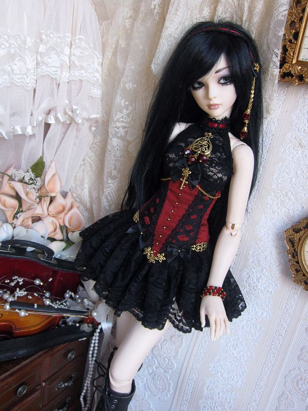sd_gothic_01_i want a doll like her