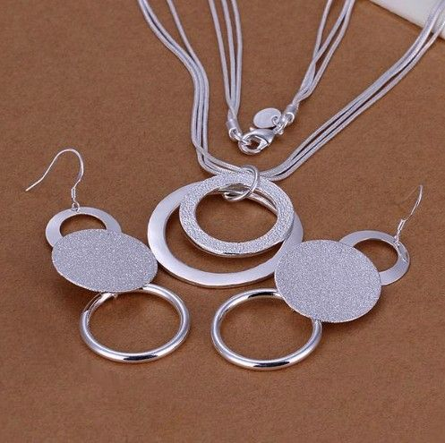 http://www.bijuteriifrumoase.ro/cumpara/set-bijuterii-double-sand-3421