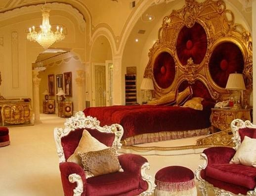 Shahrukh Khan Bedroom Design Look so Gorgeous with Classica Ethnic Gold and Red Interior