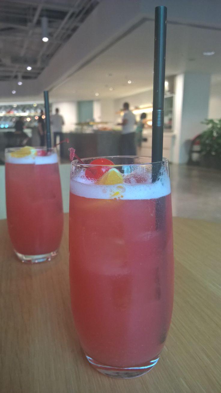 #Singaporesling @ Qantas Lounge #Singapore