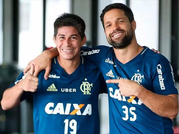 Diego e Conca podem jogar como Modric e Toni Kross afirma o flamenguista José Aldo
