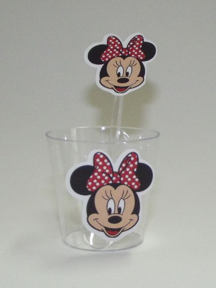Minnie - Copinho e colher    Decorado com o tema Minnie. R$ 1,10