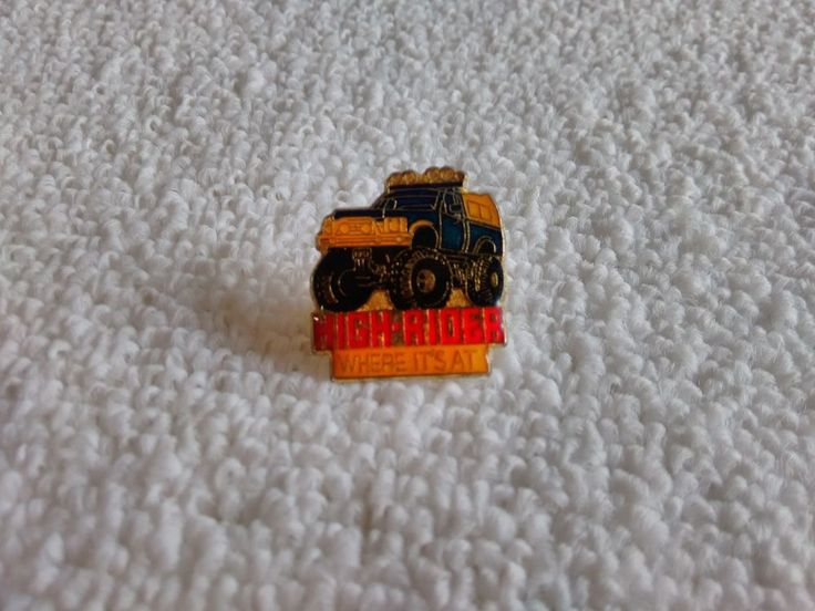 Vintage 4x4 High-Rider automotive pin badge