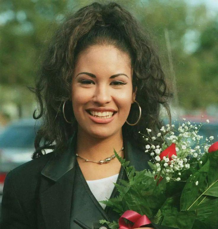 10 best Se£ena images on Pinterest   Selena quintanilla perez ...