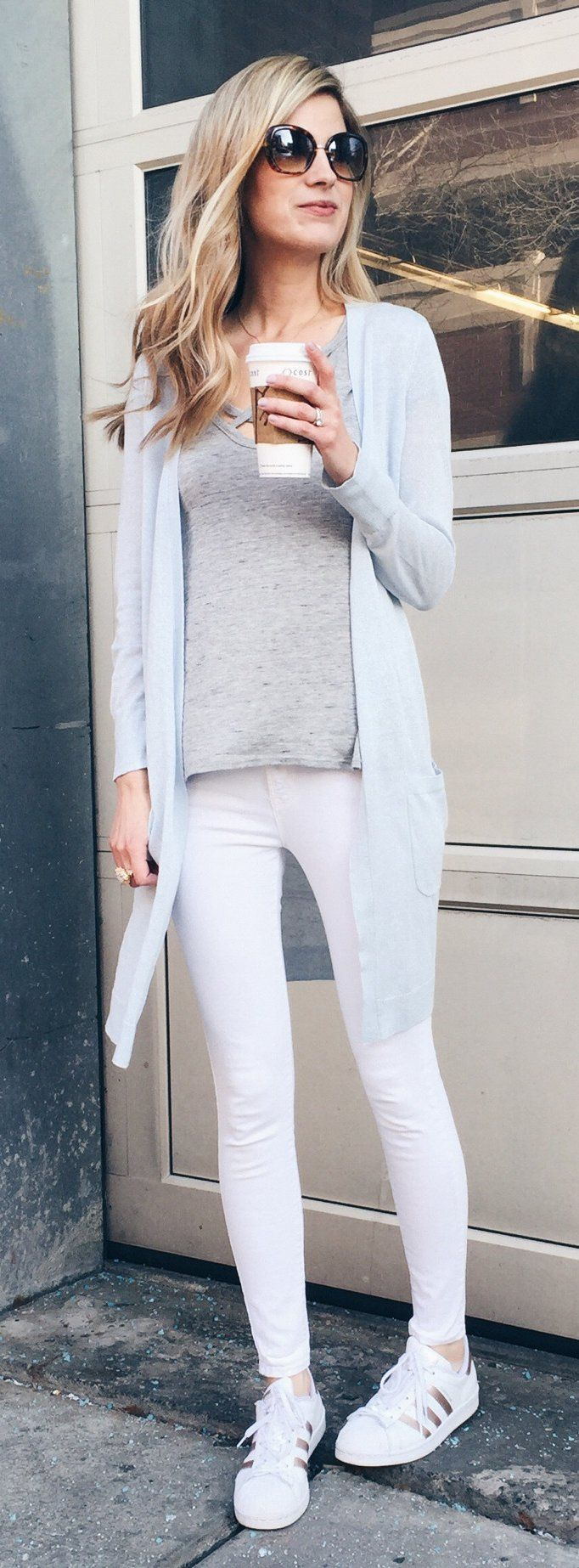 Grey Cardigan & Grey Top & White Skinny Jeans & White Adidas Pumps
