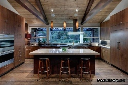 Окно в интерьере кухни