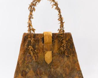 ROSE branches, Flower bag, Hedera leaves, Natural materials, HANDMADE bag, Art bag, Shoulder bag, classic bag, Unique bag, ATTRACTIVE bag  Fantastic bag which meets the artwork of nature's beauty. Made by two varietys of hedera leaves and rose branches collected from the hellenic nature and processed properly to last for a long time. This bag has very exeptional and very attractive look. Lets celebrate the Happy Mother's Day with 20% discount on all products.  FLOWER BAG!!! An adorable gift…
