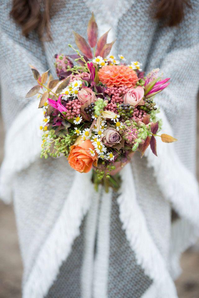#herfst #bruidsboeket #boeket #bloemen #bruiloft #trouwen #huwelijk #trouwdag #huwelijksboeket #trouwboeket #inspiratie #wedding #bouquet #inspiration | Photography: Blik & Bloos Fotografie | ThePerfectWedding.nl