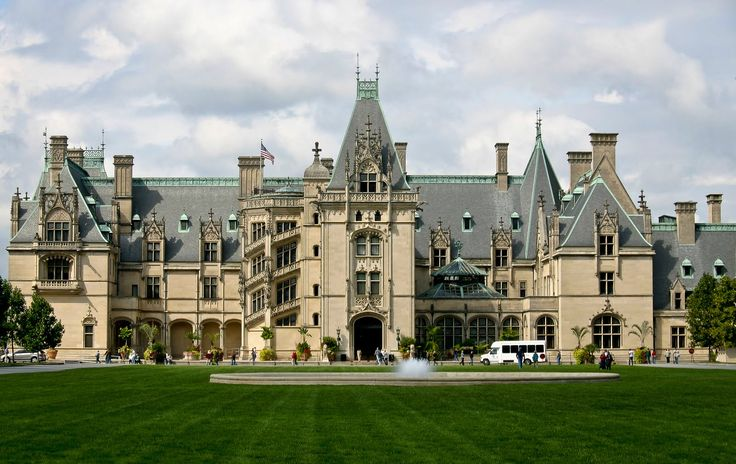 Biltmore front facade 178 000 sq ft of essential for Places to stay in asheville nc cabins