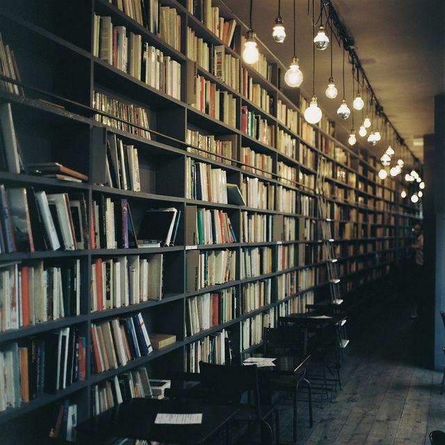 本棚のあるカフェ | Flickr - Fotosharing!