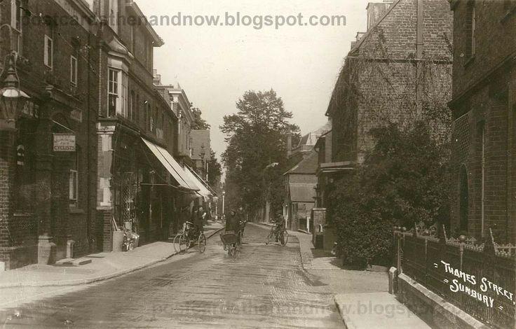 Sunbury, Middlesex, Thames Street, c1908 http://1.bp.blogspot.com/_ANlU_APhvhg/TTyYJmusZbI/AAAAAAAAAnk/l1OlAw-nYpM/s1600/Sunbury_Thames_St_YC.jpg