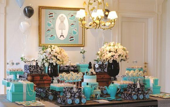 Assim como os fundadores Charles Lewis Tiffany e John B. Yong encantaram o mundo com artigos de luxo, deslumbre seus convidados com este deslumbrante paraíso turquesa que é a festa TIFFANY.  A magia do seu dia jamais será esquecida, acredite! R$ 3.500,00: