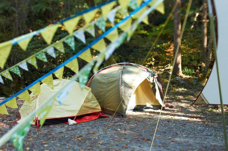 テントはタープのまわりに