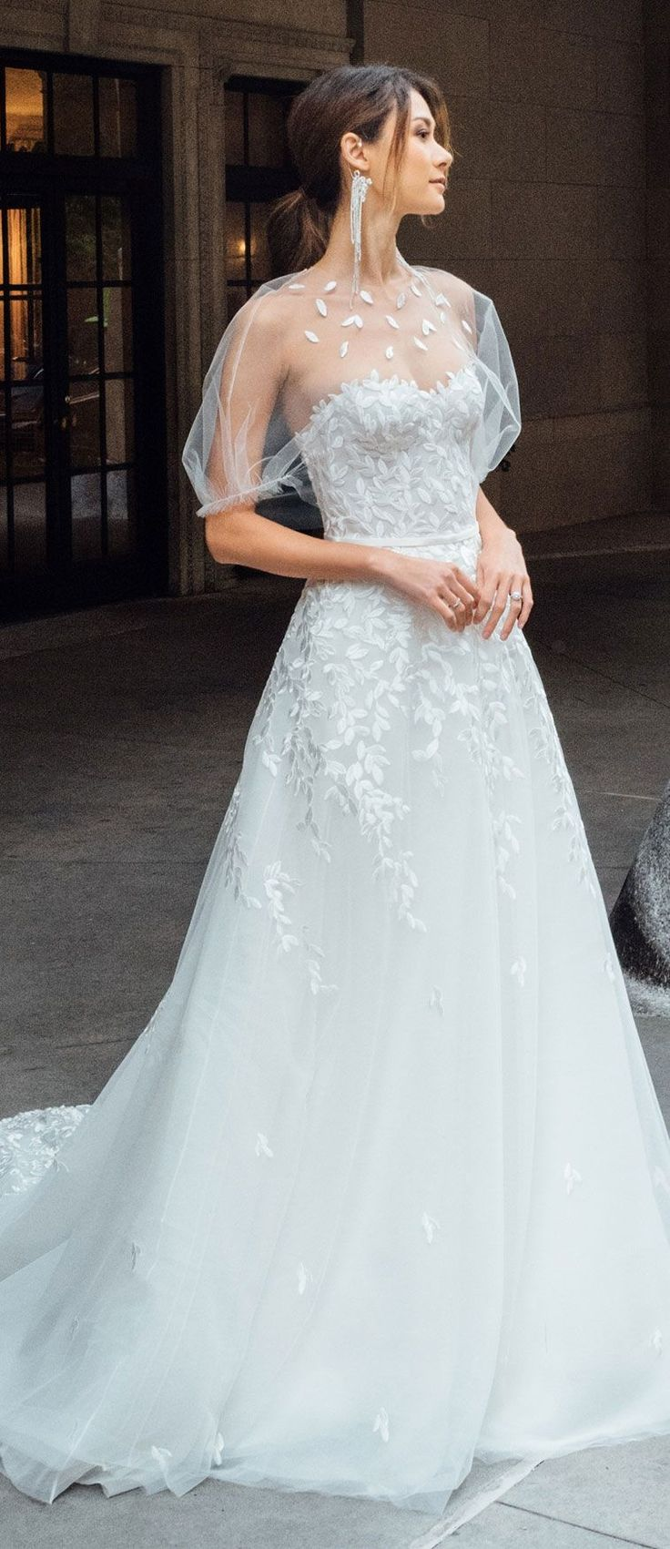 Wedding Dress inspiration, Stunning wedding gown perfect for glam wedding #weddi…