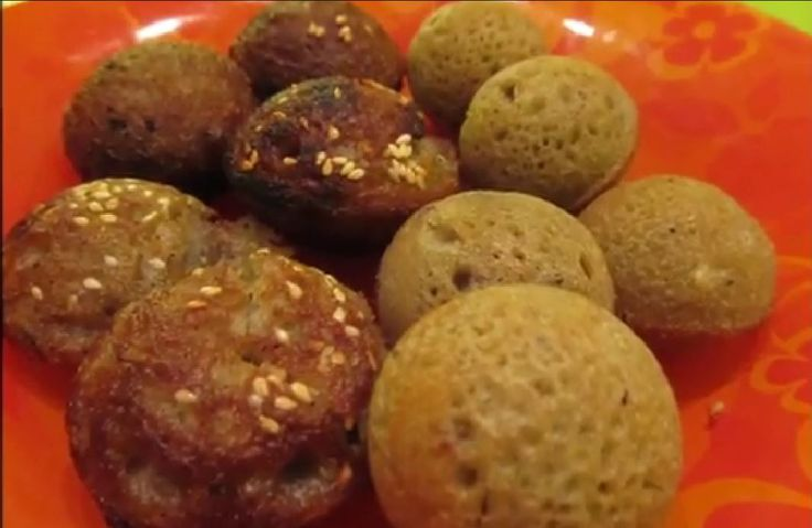 It is a traditional and healthy snack. Made from rice, jiggery, sesame and coconut is a treat for guests.