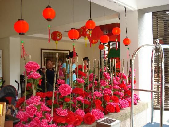 1000 images about chinese new year decor on pinterest paper lanterns chinese new year - Magnificent new year office decoration ...