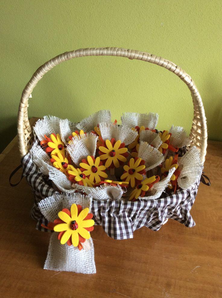 Sacchetti confetti con molletta fiore in feltro