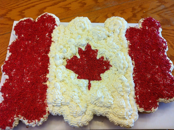 Pull apart cupcake cake for Canada Day