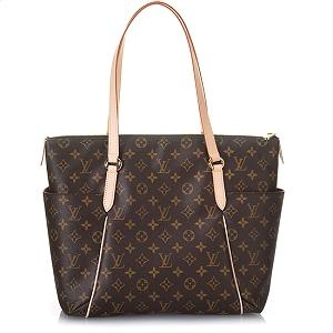 Louis Vuitton Tote ~ <3 ~   Bought this for my daughter in Italy...now it's my turn! I WILL be getting this! ~ <3 ~