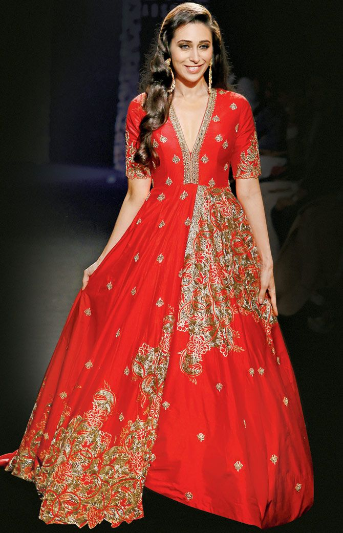 Karisma Kapoor at the Lakme Fashion Week Winter Festive 2016.