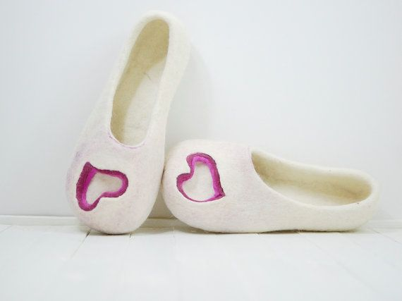 Felted Wool Slippers House Shoes for Women natural white / pink red heart