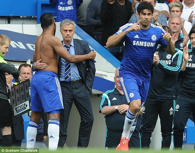 Didier Drogba carried off by Chelsea team-mates as he is substituted during final game | Daily Mail Online