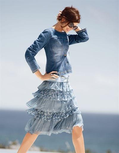 MADELEINE - Jeansjacke in der Farbe blue / stone