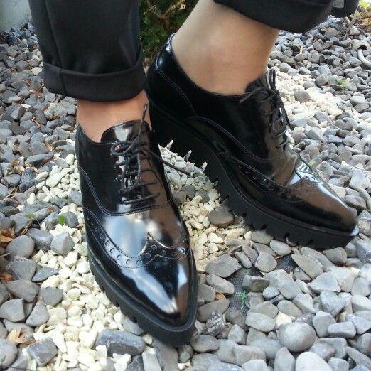 Francesine nere fashion new Punk ora disponibili al nostro factory store e su www.danieletucci.com/store-online/