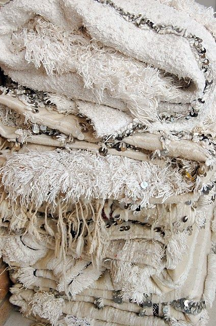 Moroccan Blankets, Table Tonic: Moroccan Blankets, White Texture, Style Inspiration, Dreams Wedding, Textiles, Fabrics, Bedrooms, Morocco, Moroccan Wedding Blankets