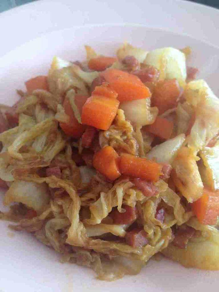 J'avais une envie de légumes au wok, il me restait 1/2 chou chinois dans mon frigo, quelques carottes ... pour 4 pers 1 pp / pers (weight watchers) -1/2 chou chinois -3 carottes - 1 barquette de 75 g de lardon de bacon -2 c à s de sauce soja sucré -1/2...