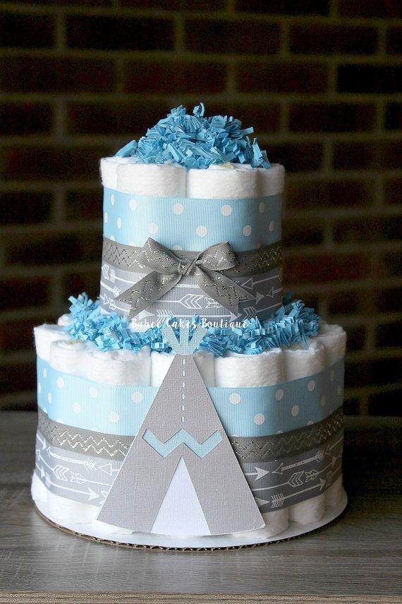 Ce magnifique gâteau de couches 2 niveaux fera la pièce maîtresse parfaite à votre douche de bébé tribal à venir! Mesure environ 14 de hauteur et 10 de large. Couleurs peuvent être modifiées pour s'adapter à votre thème. Ce gâteau est livré entièrement assemblé - enveloppés dans du tulle, prêt à afficher à votre événement spécial.  >>> Autres Options des tailles
