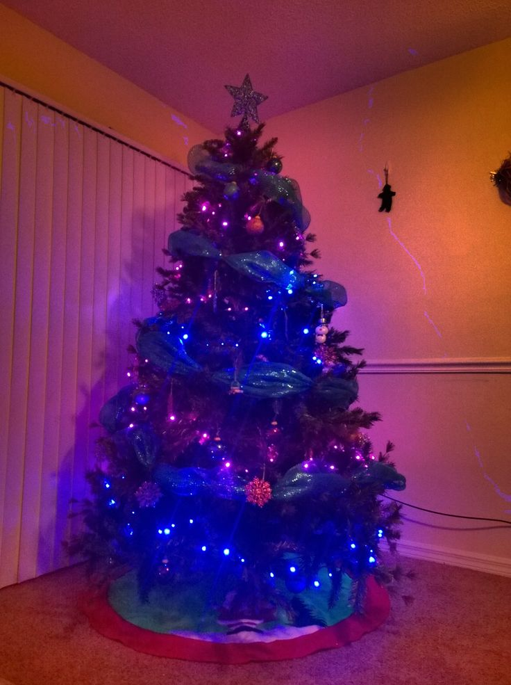 Mi árbol de navidad #iluminado #purple #pink