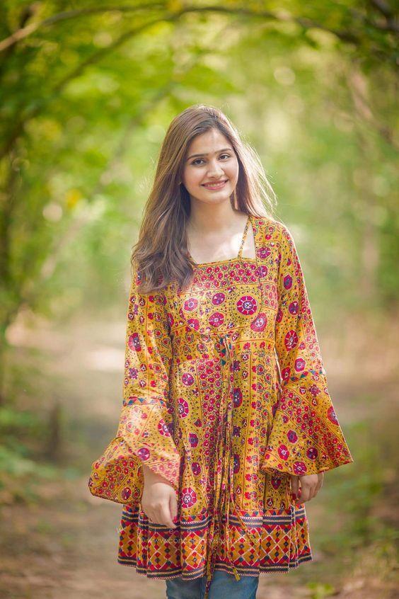 Latest Elegant Winter Pakistani Girls Frock Designs 2019