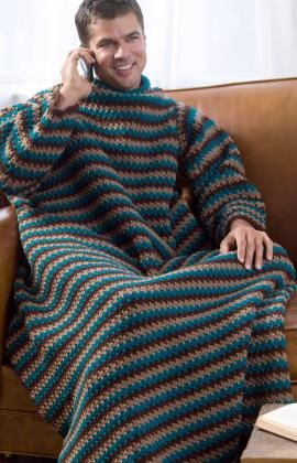 Let´s crochet men, hallelujah - Crochet you own Snuggie. I think yes.