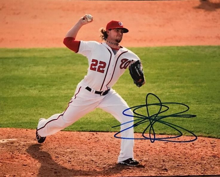 Drew Storen's autograph looks like it was made by a Spirograph toy! Signed 8x10 DREW STOREN Washington Nationals Autographed photo #WashingtonNationals